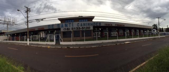 Foto da Loja da De Santi Caminhões